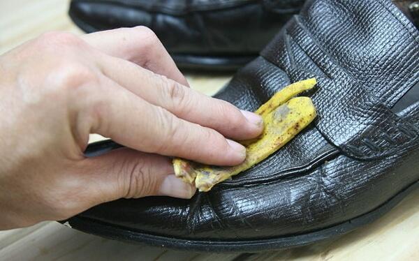 cirer le cuir avec banane