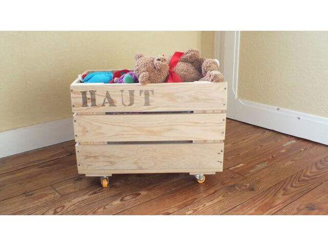 un coffre à jouets