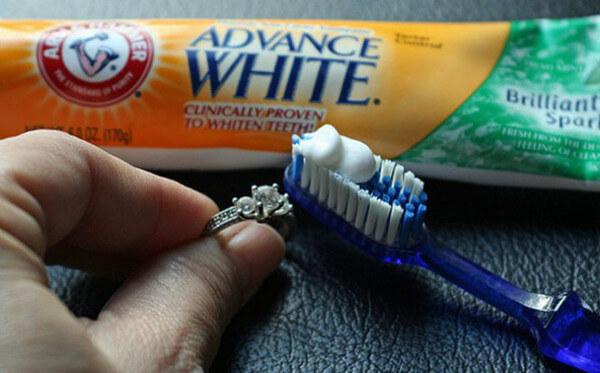 faire briller or et diamant avec dentifrice