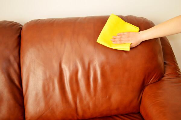 faire briller canapé en cuir