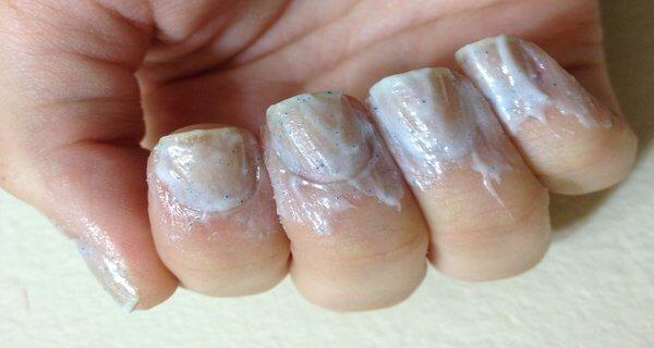 Pour blanchir les ongles jaunis