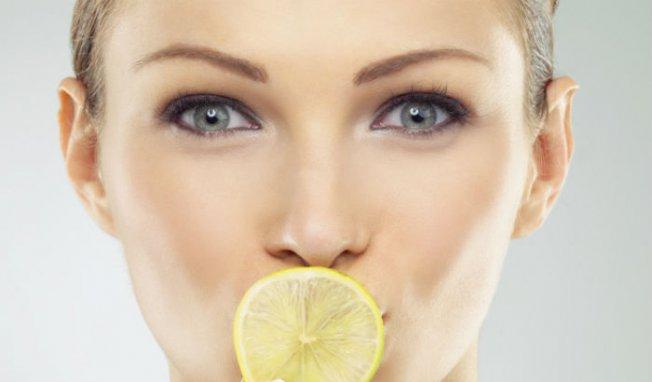 eau citron haleine fraîche