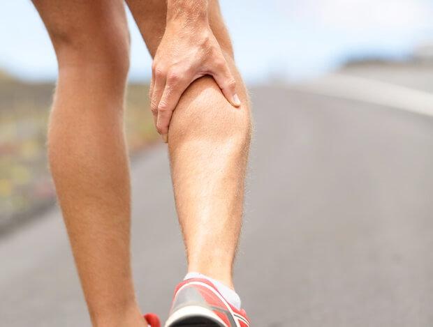 un jogger avec des courbatures