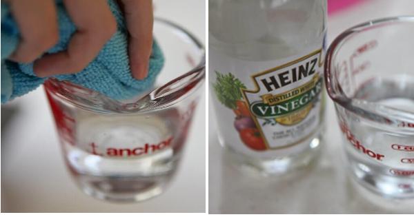 vinaigre heinz et un verre d'eau