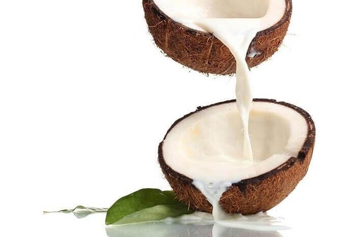 Appliquez un masque au lait de coco
