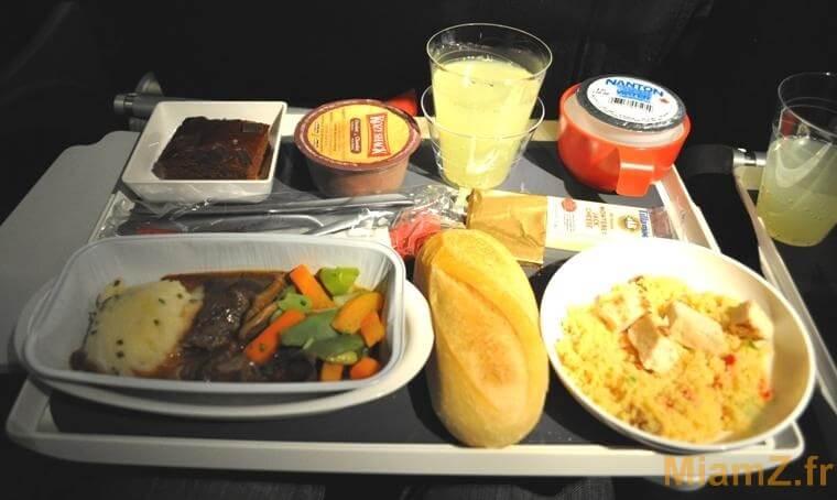 le repas pendant le voyage en avion