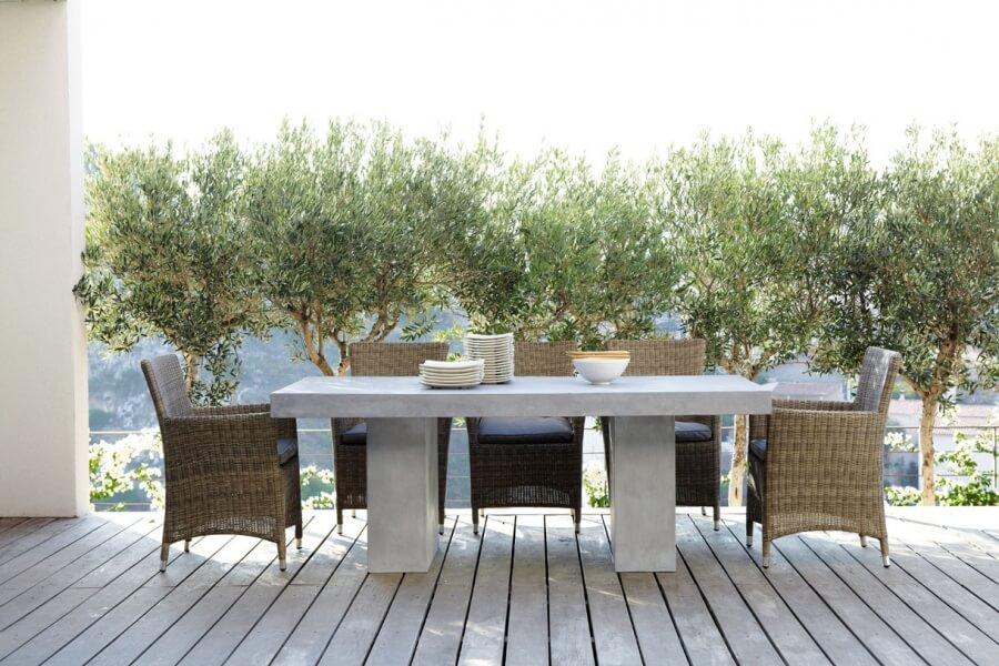 table extérieure béton ciré