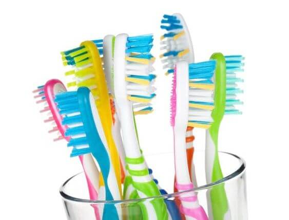 brosses à dents à l'eau oxygénée