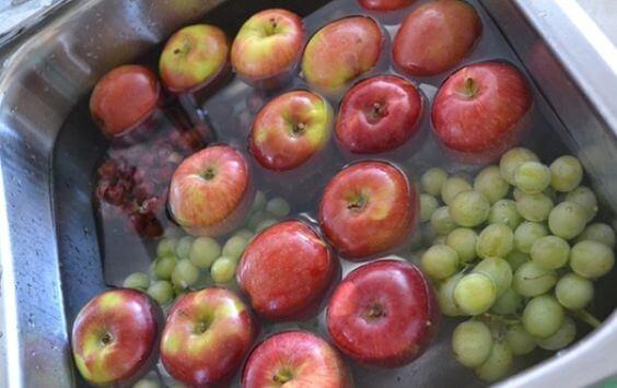 fruits lavés à l'eau oxygénée