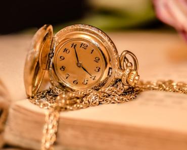 bijou en or-montre