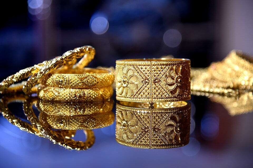 bijou en or-parure