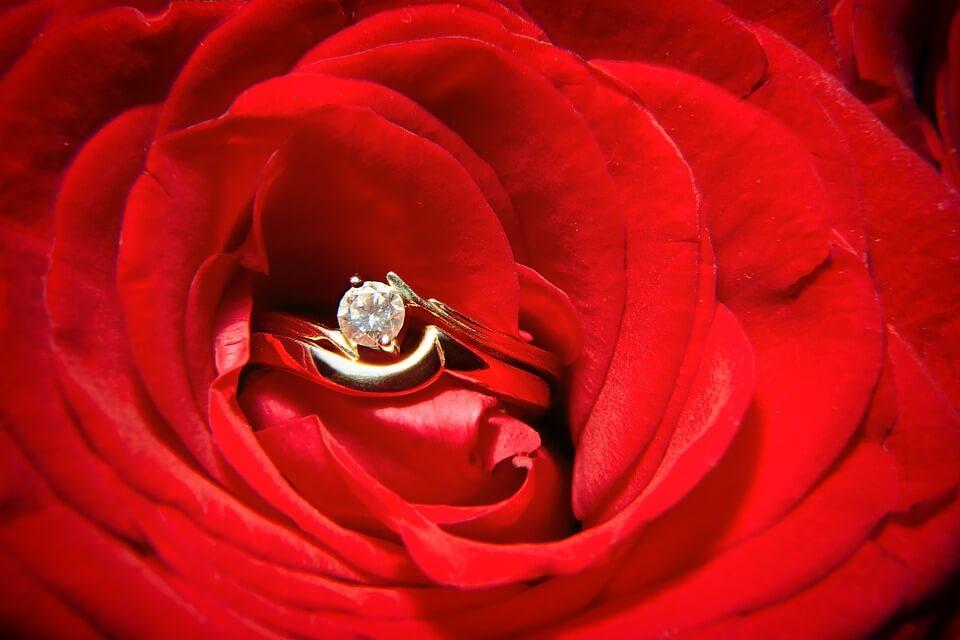 bijou en or-rose