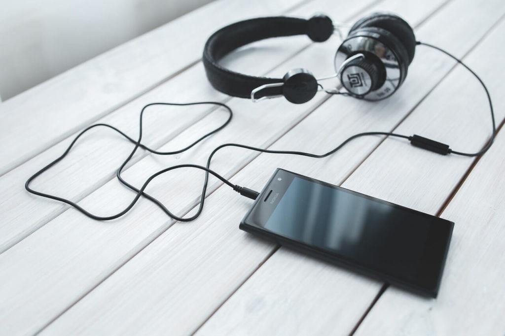 télécharger-de-la-musique-smartphone